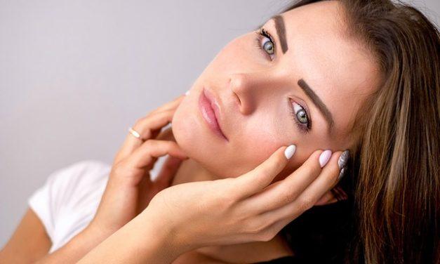 Comment se passe le peeling chez un dermatologue ?